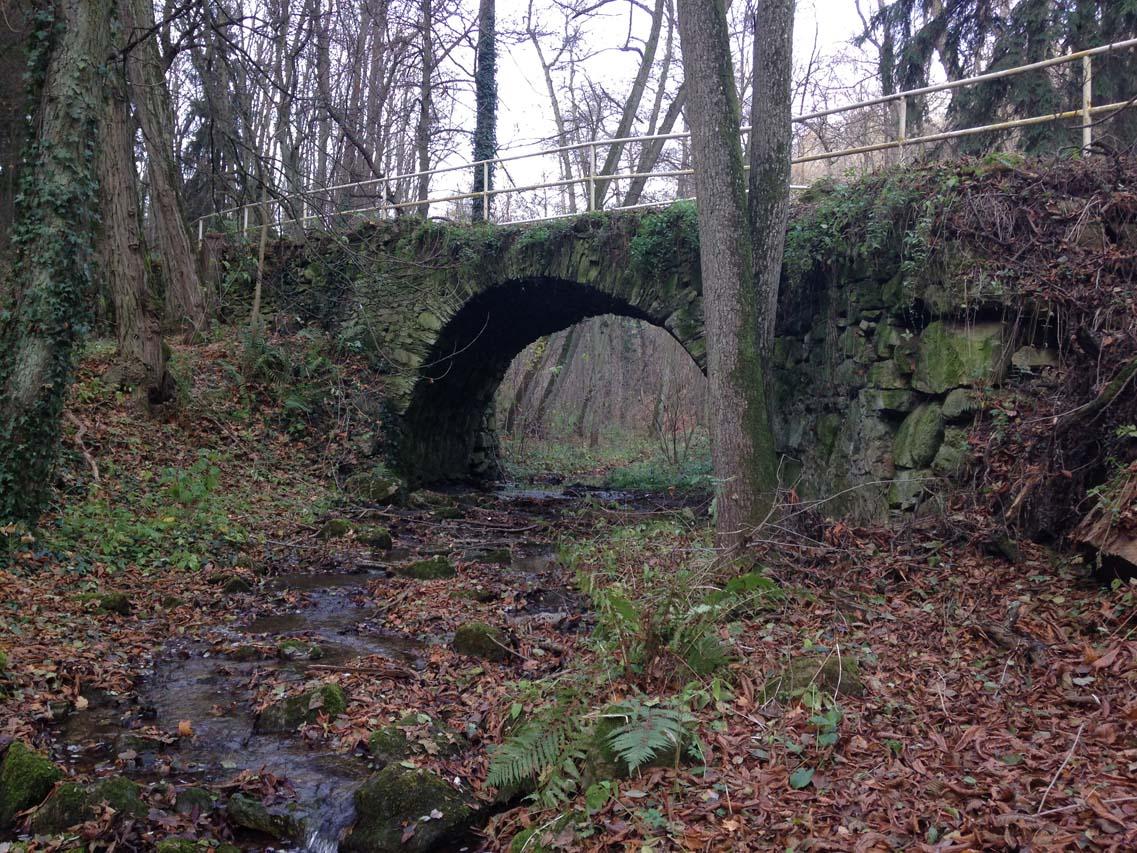 klenutý most
